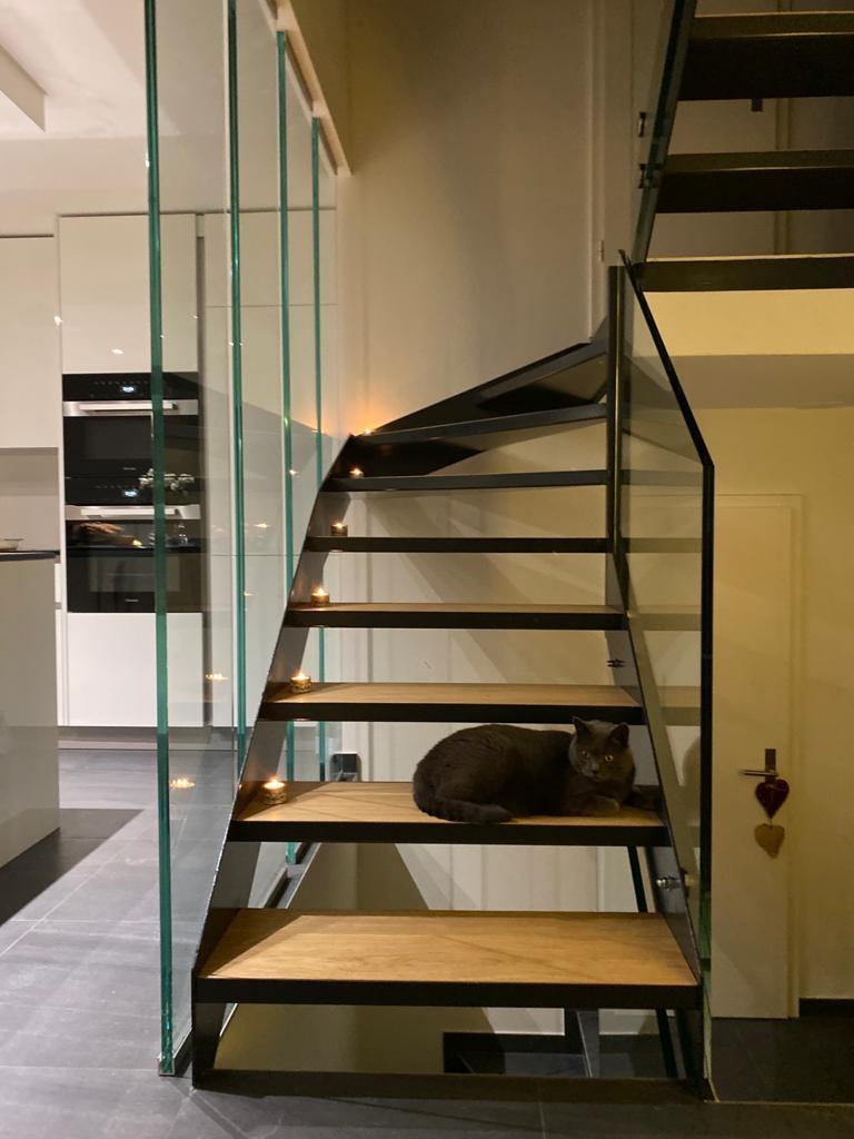 cage d'escalier en verre